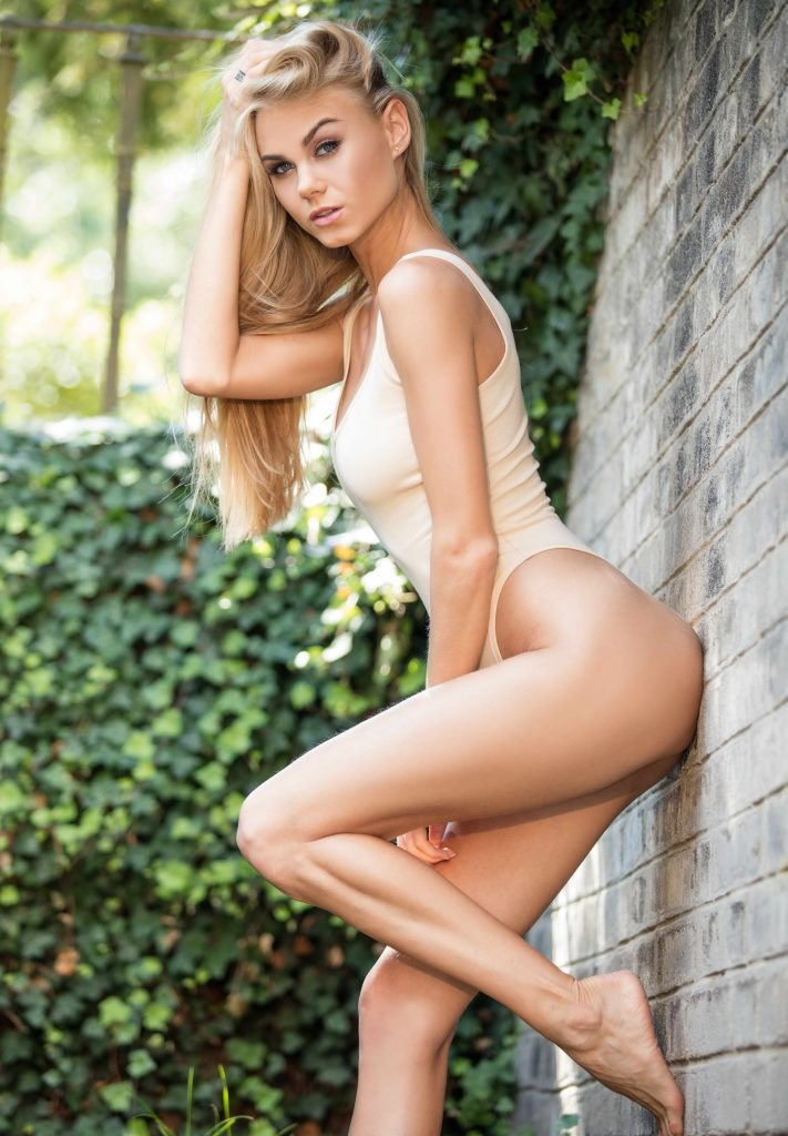 Stunning Young Blonde - London escorts
